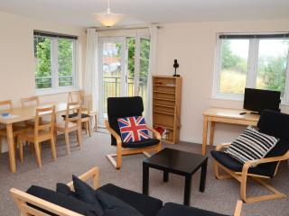 Exeter City Centre - sleeps 5 with parking included!