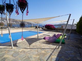This is a privat villa with awesome seaview, private pool in spacious garden
