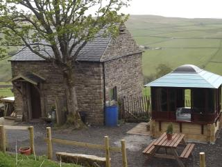 crofters cottage with 24/7 private hottob