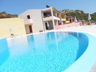 Residence Pala stiddata with swimming pool, Trinita d'Agultu e Vignola