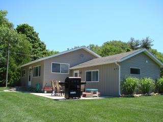 Sliver Lake 3 bedroom Cottage sleeps 8-10, Mears