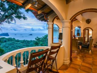 6 Br Villa w/ 4 Indepen Apts, Sea Views & Central, Parque Nacional Manuel Antonio