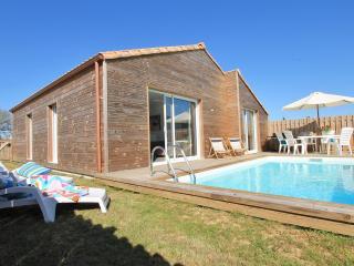 Villa Silène, confort, calme et piscine chauffée, Talmont-Saint-Hilaire