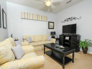 Just 1 mile from Disney beautiful 2bd condo
