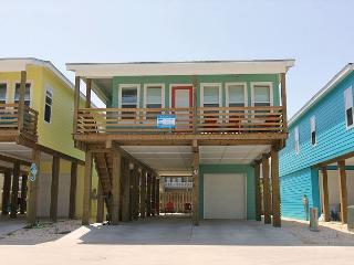 Brand new 4 bedroom 3  bath home in the heart of Port Aransas!