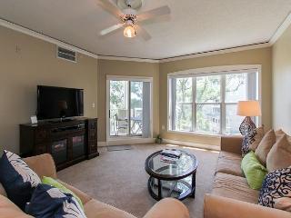 6304 Hampton Place-Beautiful Oceanfront Villa!, Bluffton
