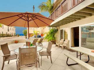 Family Vacation Home, Ocean View, 1 House from Sand