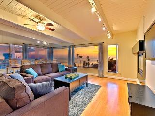 20% OFF OPEN SEPT+OCT- Bluff Front Single Level Home w/ Panoramic Ocean Views