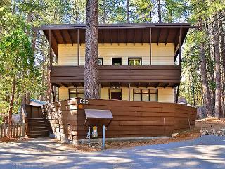 Becky's Boathouse 3BR Tahoe Retreat, South Lake Tahoe