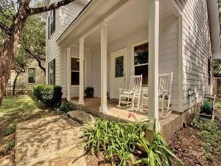 3BR/2BA Green Home, Minutes to Lake Travis, Pets Welcome, Sleeps 6
