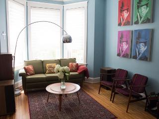 Historic Capitol Hill Homes, 4BR+, 4 level, 4BA sleeps 10