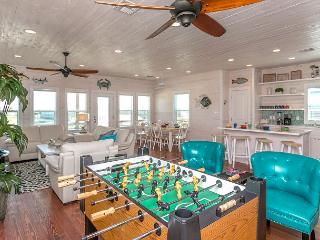 Out of Bounds: Just Blocks from the Beach, Pool, Pets, 4bed/3bath, Port Aransas