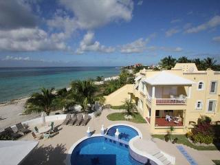 Oceanfront with pool 3 bedroom condo in Paradise Condos (PC2A), Cozumel