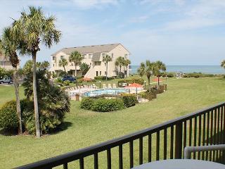 2 Bedrooms, 2.5 Bathrooms, Sleeps 6, Ocean View Condo, 4 Heated Pools, WiFi, Marineland