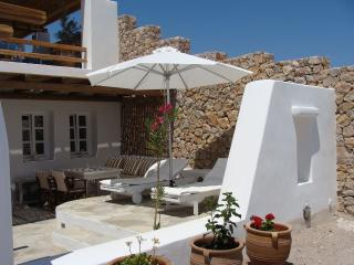 Sorokos Guesthouse, with free car rental, Vourvoulos