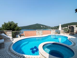 Villa Lux Molunat & Pool