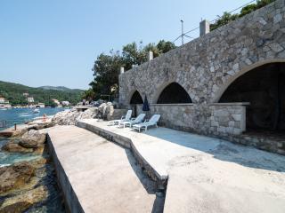 Villa Lux Meridiem Molunat & Pool