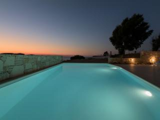 Villa Louisa,50m from the sea/shops,pool,seaviews.