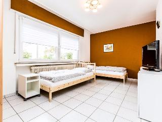 B10 Quiet apartment in Bergisch Gladbach Refrath, Delbruck