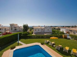Casa Azul, 4 bedroom villa with private pool near to the beach at Sao Rafael