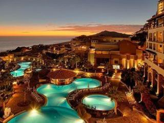 OCEAN VIEW -PUEBLO BONITO SUNSET BEACH- EXEC SUITE