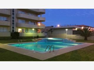 Beach front apartment with direct access to pool., Vila Nova de Gaia