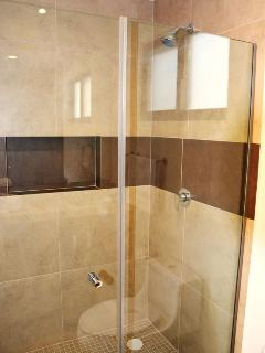 Nice confortable Showers