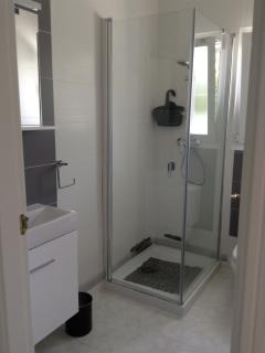 en suite to twin bedded room