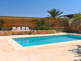 Old townhouse with garden and pool, Caimari