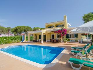 Villa Bonita - 3 bedroom Villa with Private Pool Near the Aquashow