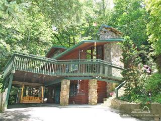 Almost Heaven   Pool Table Hot Tub Jacuzzi Secluded WiFi   Free Nights, Gatlinburg