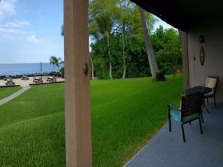 Enjoy a drink on your lanai with a direct oceanfront view. The absolute best Location.