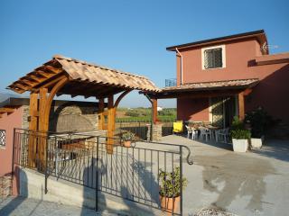 Case Vacanze Longo-Villetta mare/campagna (giallo)