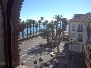 Piso de tres dormitorios en El Balcón de Europa., Nerja