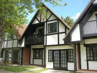 34 Tudor Court, Tolroy Manor