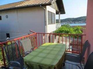 Tisno Apartment with Pool Near the Festival TP1A4