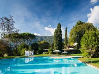 VILLA VIOLA 2BR-pool garden SPA by KlabHouse