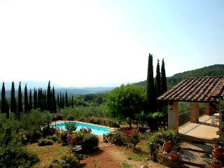 Detached house with private pool near Todi