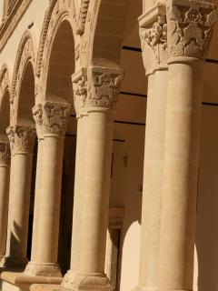A close up of the colums in the Abbey cloisture....
