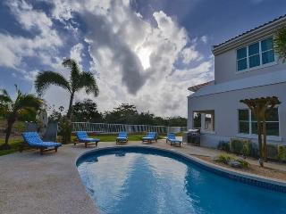 Villa Aqua-Newly Renovated Villa in Palmas Del Mar resort w/ Ocean view