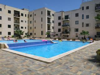 Exclusive Modern New apartment Communal Pool Wi-fi, Bugibba