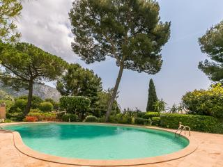 VillaEze, French Riviera, €2.000/month,pool,garden, Èze