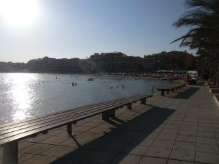 Apartamento 100m al mar con piscina