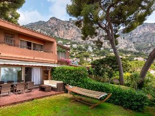 Villa Eze. French Riviera. Sea-view/Pool/garden/beach. Monaco.