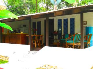 Cozy Villa steps from Beach - Coralina, Punta Uva