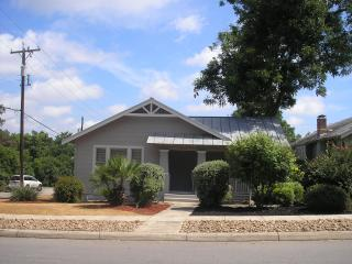 Spacious 3 bed located in the center of everything, San Antonio