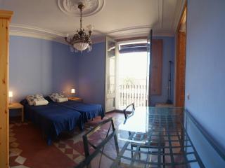 Room 1 for rent Barcelona Ramblas 1
