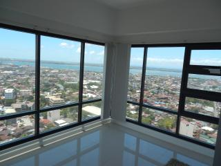 Cebu Ramos Highrise Tower 1 or 2 Bedrooms, Cebu City