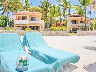 Beach Condo 1bdr WiFi + Houskeeper, Bavaro