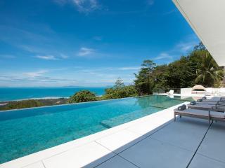 Villa Zest, 5 bedroom villa with stunning sunsets